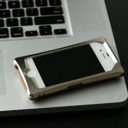 アルミiPhoneケース