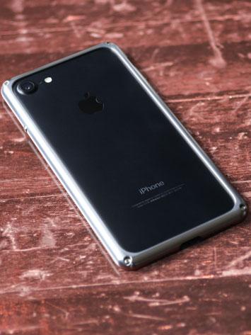 iPhone7バンパー