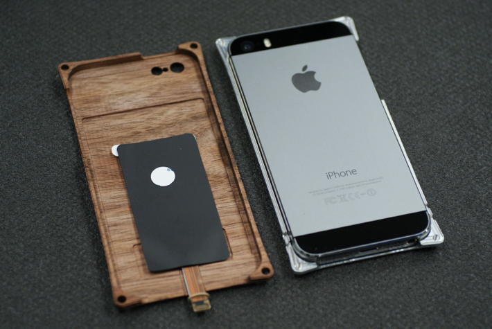Qi̵�������š�IC�������б� ������ߥ��ŷ���ڤ�iPhone������ Smart HYBRID for iPhone5